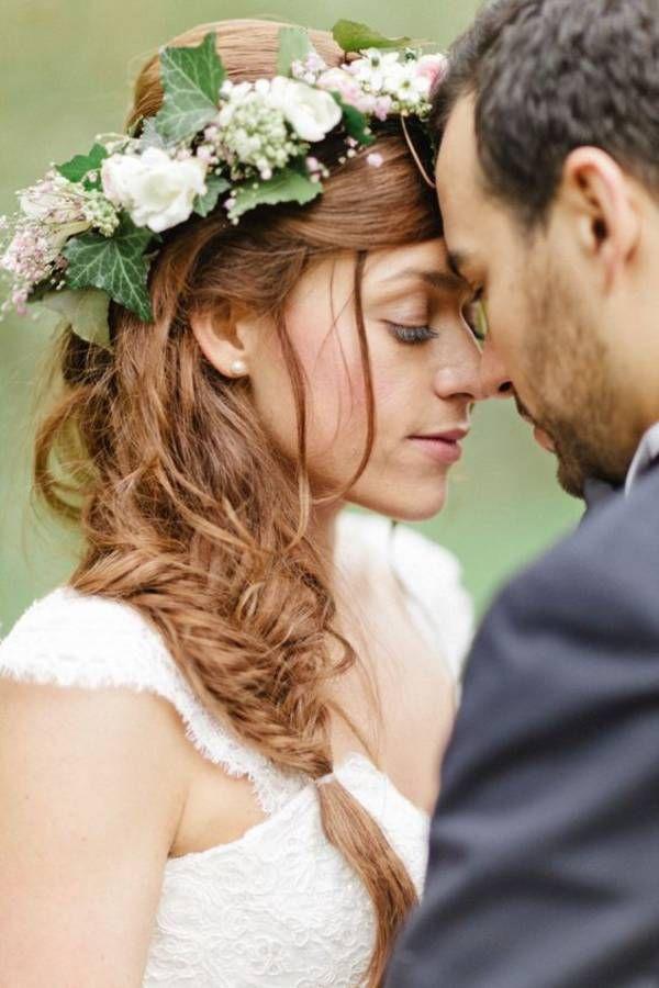 Cheveux tressés et couronne pour mariée