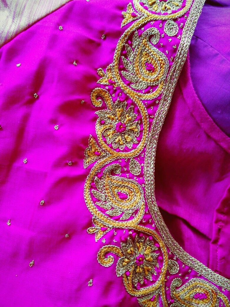 Pin by ramanantha on blouses pinterest blouse designs saree mirror work blouse wedding blouses blouse patterns blouse designs saree blouse embroidery stitches hand embroidery embroidery designs bankloansurffo Images