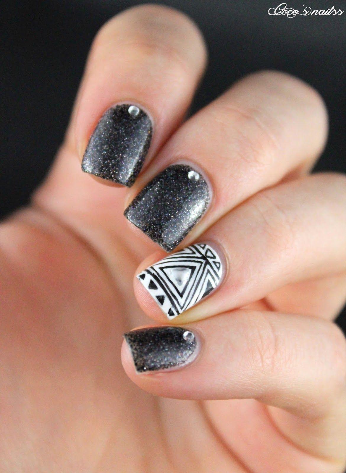 Black u white plain nails geometric nail art and stamping nail art
