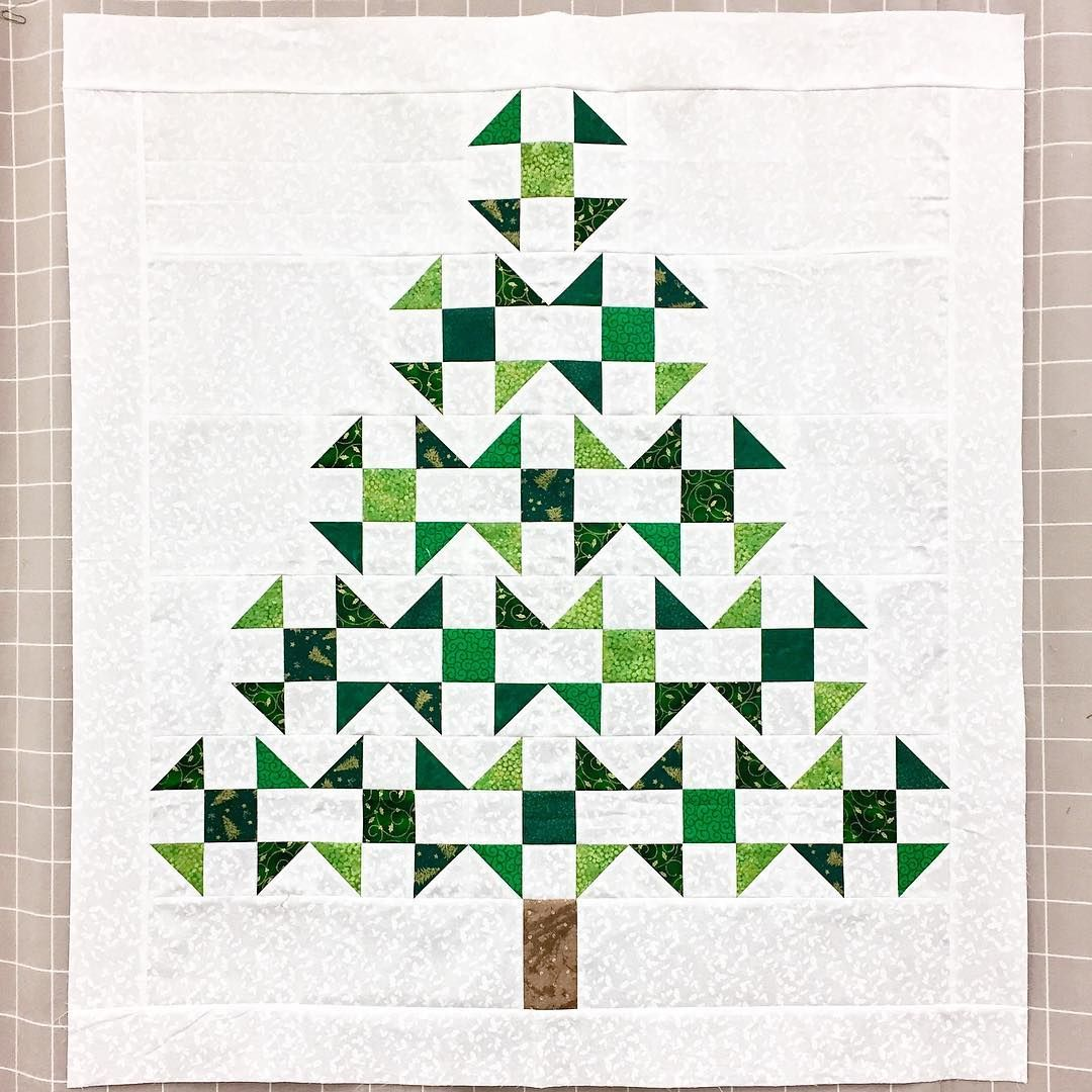 Pin by Anna Zapotoczna on Patchwork | Pinterest | Christmas tree ...