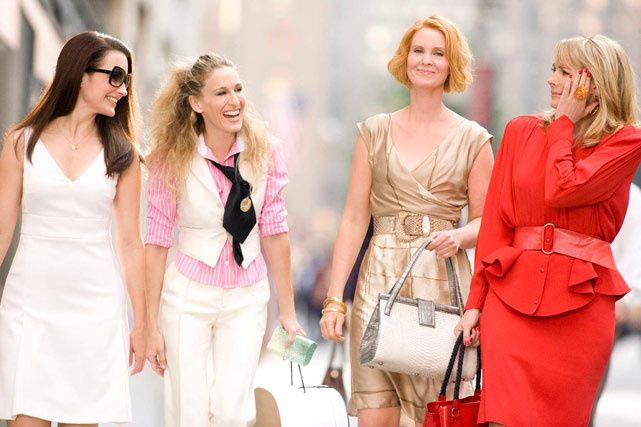 """""""Y estábamos vestidas de pies a cabeza en amor, la única marca que nunca pasa de moda"""" – Carrie Bradshaw, Sex & The City"""
