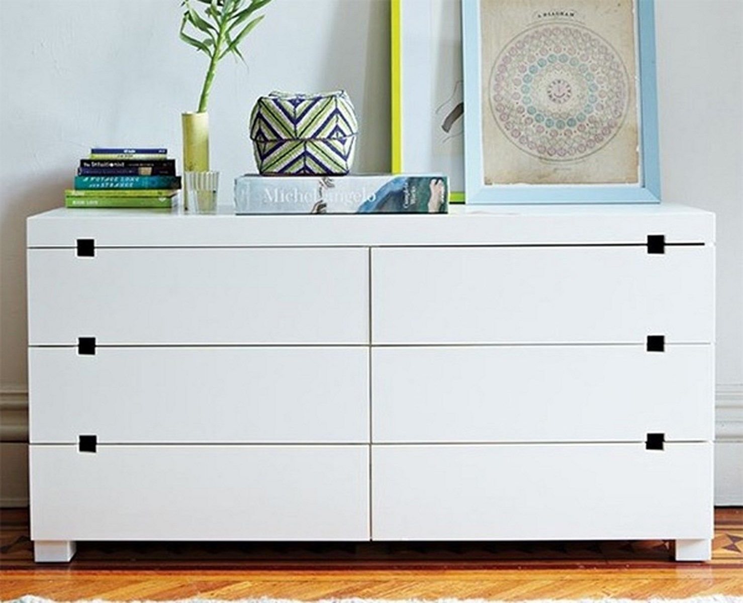 Best Sleek White Bedroom Dresser Modern Bedroom Dressers 640 x 480