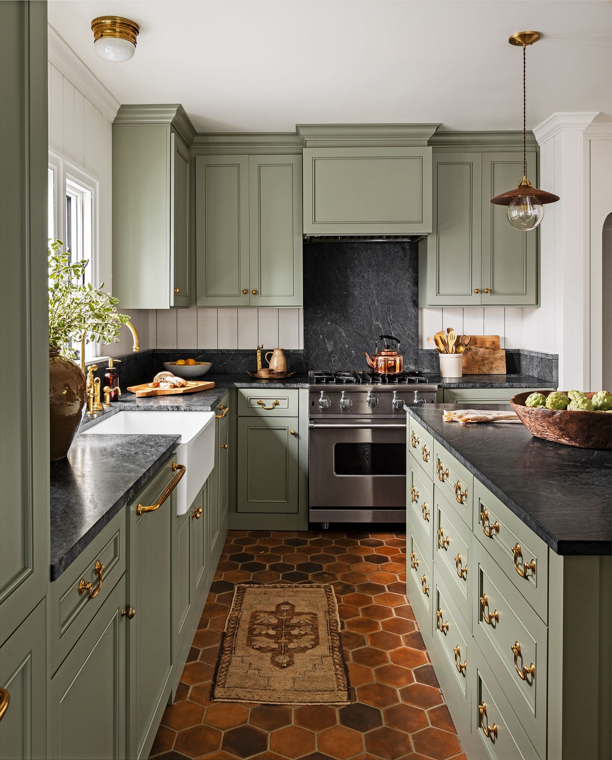 Light Brown Painted Kitchen Cabinet Beautiful 15 Best Green Kitchen Cabinet Ideas Top Gr In 2020 Traditional Kitchen Island Kitchen Design Color Green Kitchen Cabinets