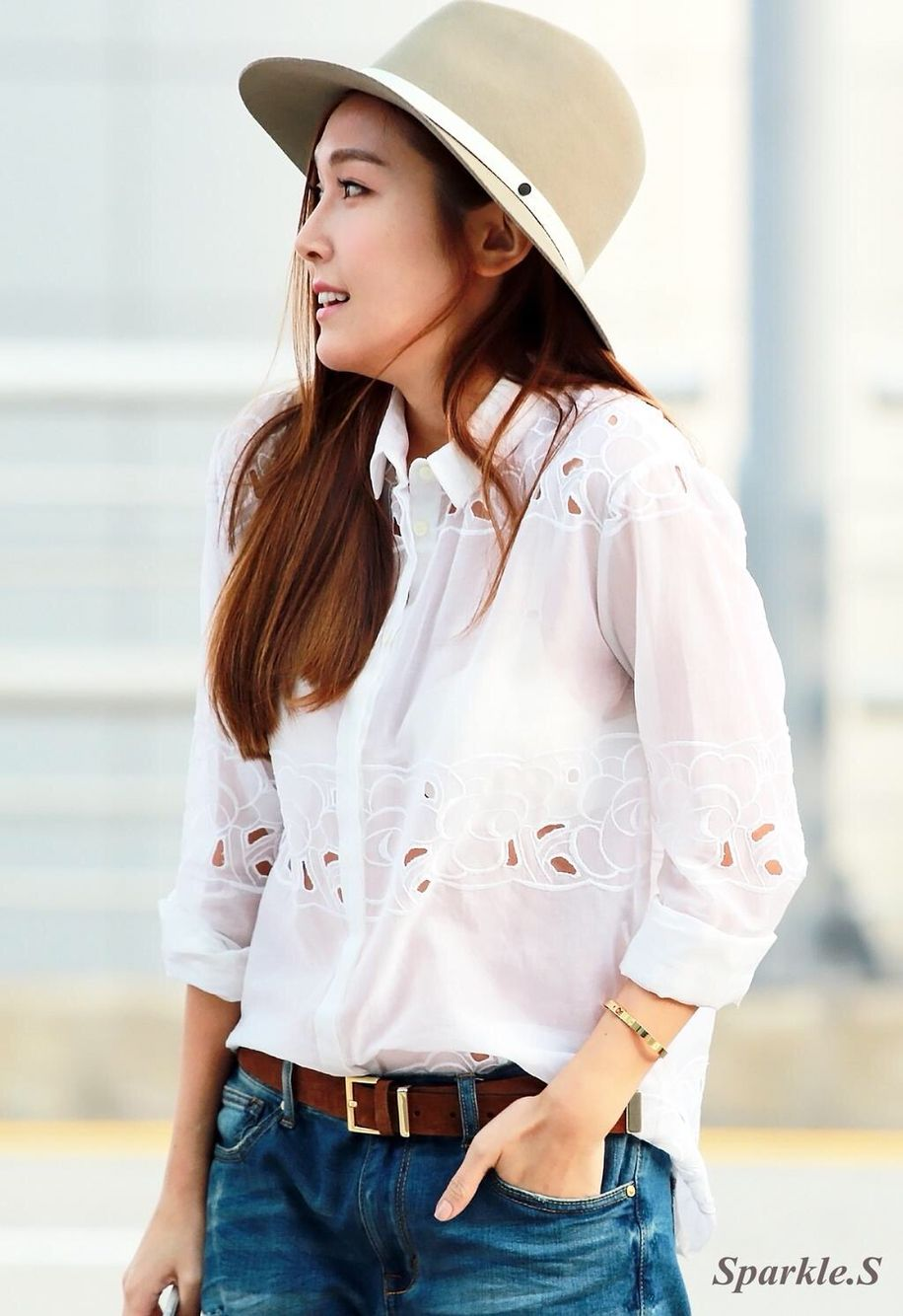 Slay with her fashion airport Jessica Jung