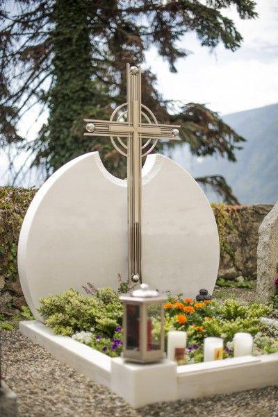 Grabsteine aus Südtirol - Steinmetz Peter Hillebrand Abler