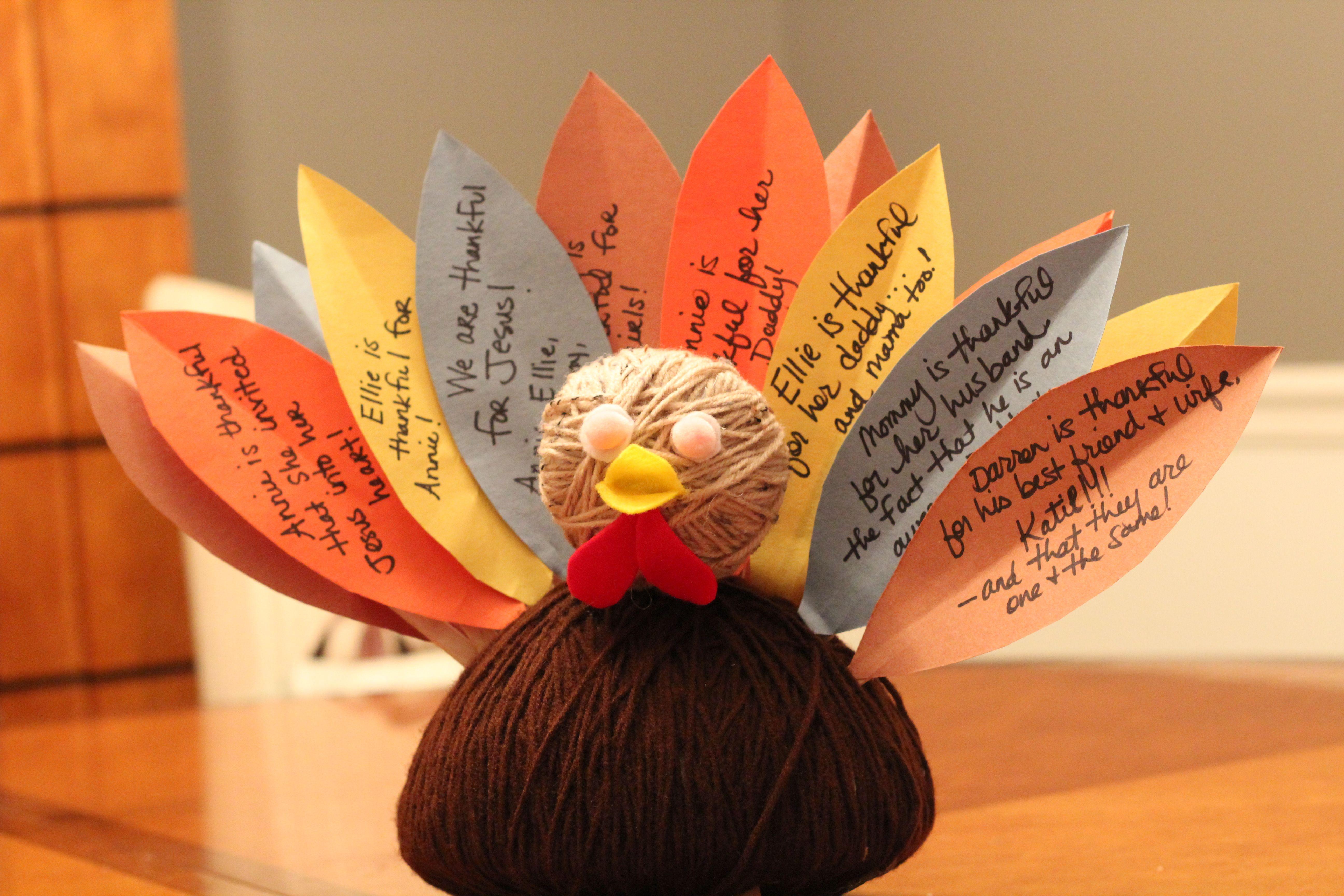 Easy thanksgiving turkey centerpiece craft for kids via