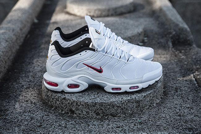 pretty nice e2e5e 4f1ff Nike Air Max Plus (Tuned 1)