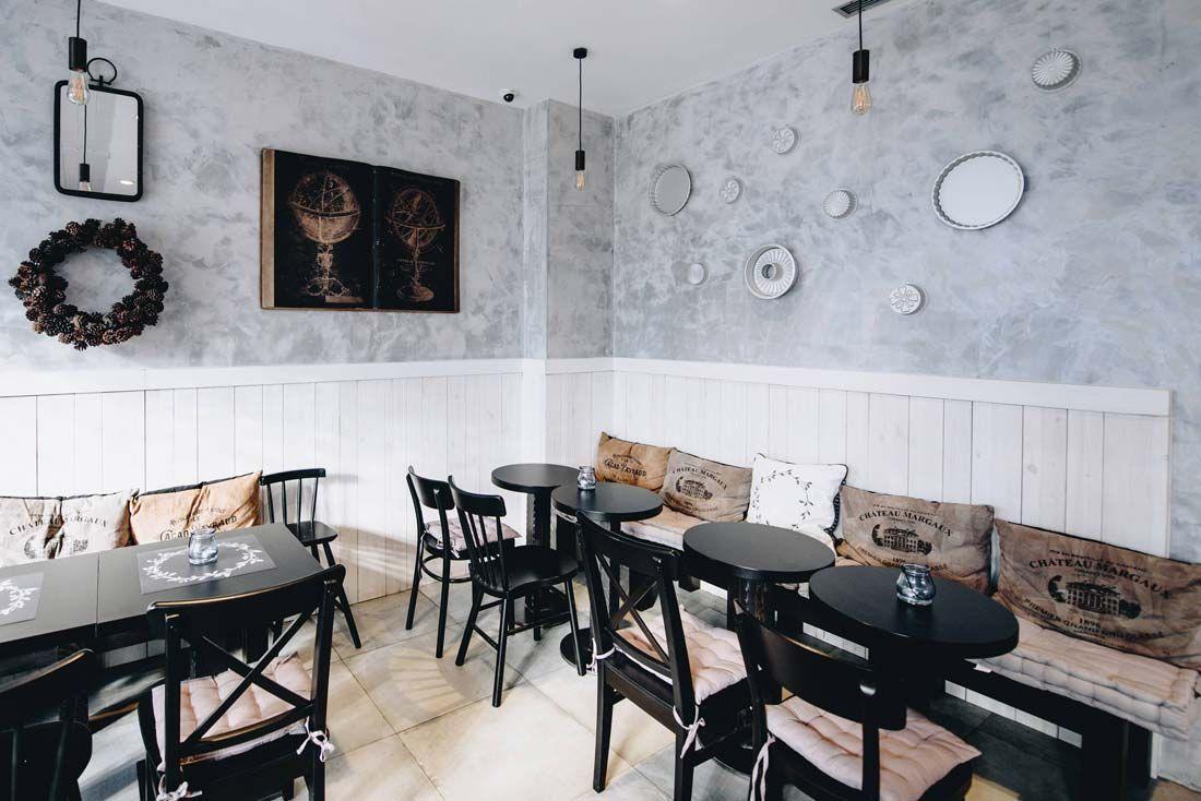Kruh I Putar 8 Home Decor Dining Table Decor