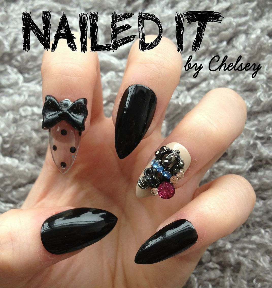 Sheer Polkadot Skull nails! On sale now, see link in bio ☺️