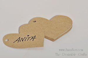 Papperstags, pappershjärtan, Tags, Kvist  Lantligt Tags. Papperstags i form hjärta tillverkat av 100% återvunnit SVENSKT  kartong (225 g).  1 sek / st