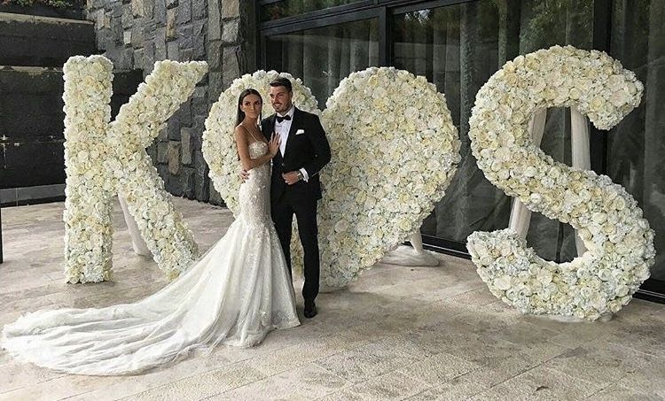 Pin By Princesse O A Votre Service On Mariage In 2020 Wedding Stage Wedding Deco Wedding Designs