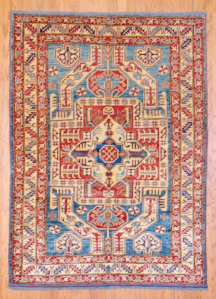 What A Beautiful Mix Of Colors On A Rug Hand Knotted Rugs Afghan