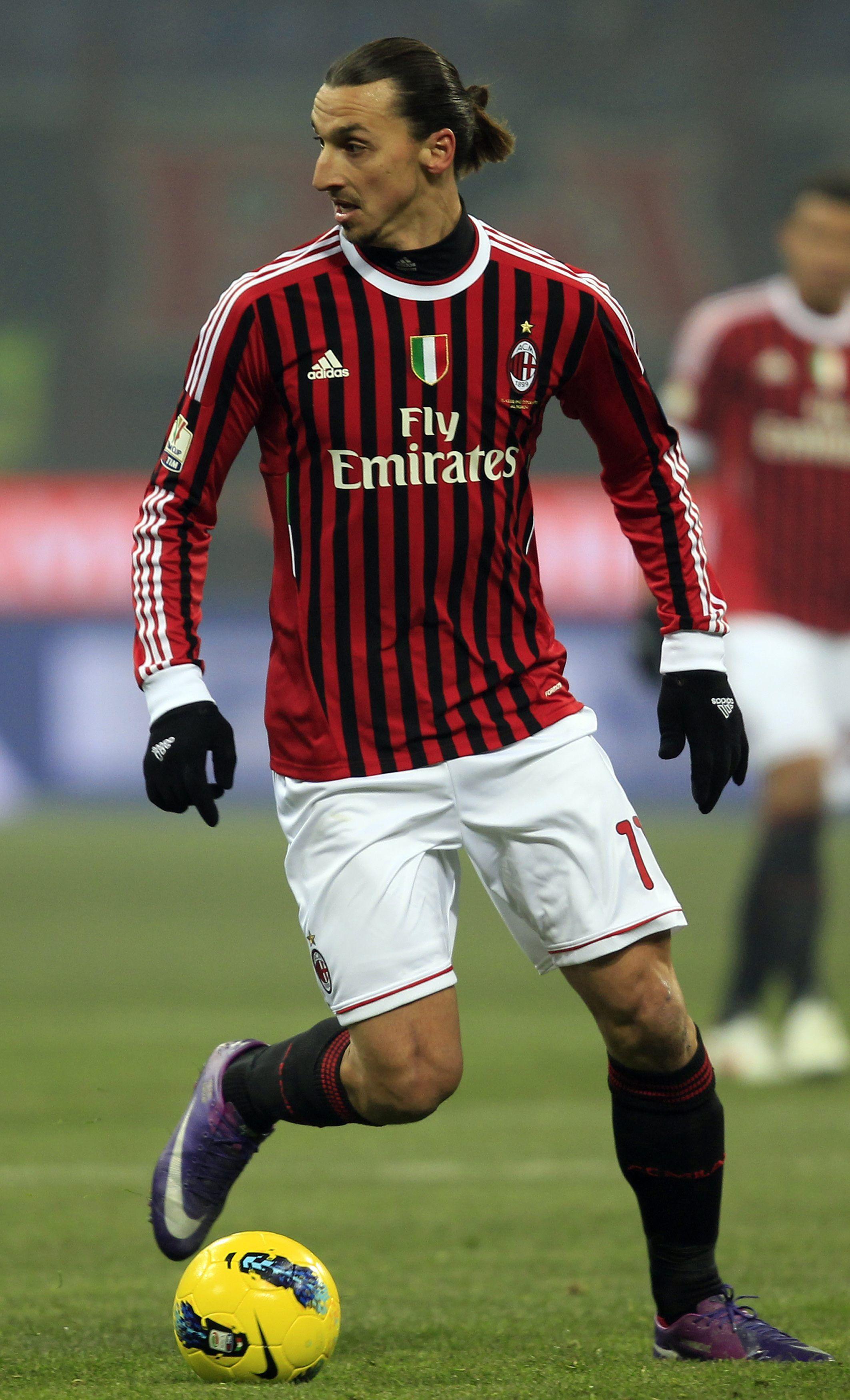 Zlatan Ibrahimovic AC Milan classicfootballshirts.co