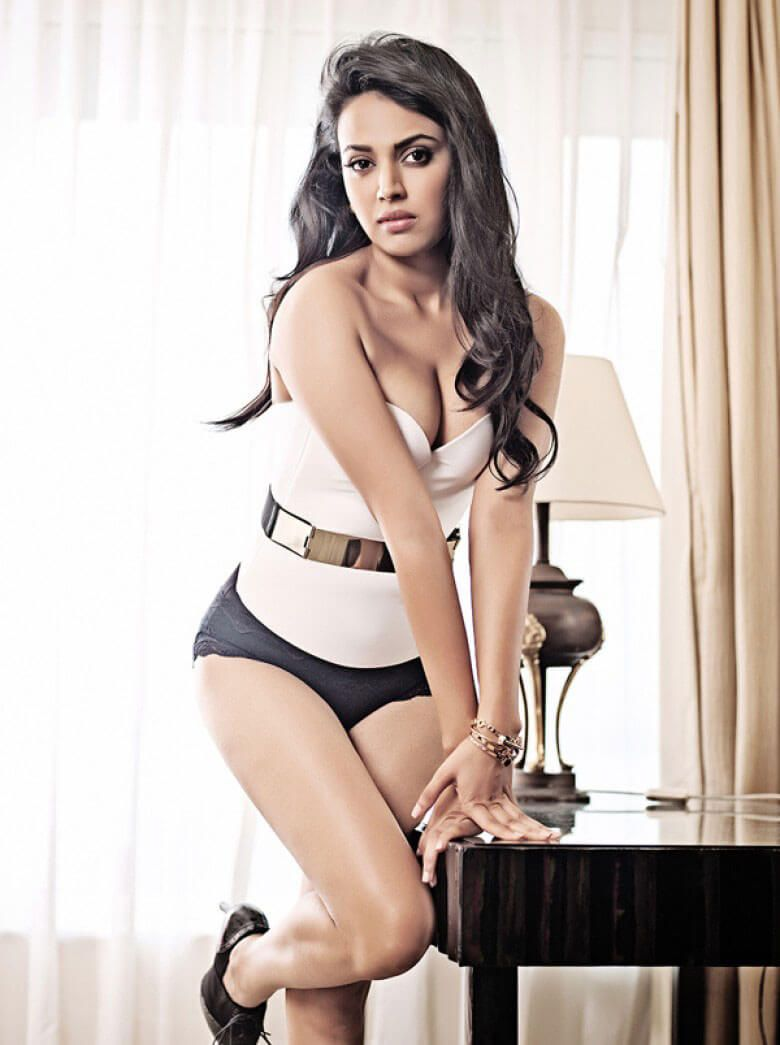 hot-#swara #bhaskar-photoshoot-in-bikini-on-bed-06 (780×1045