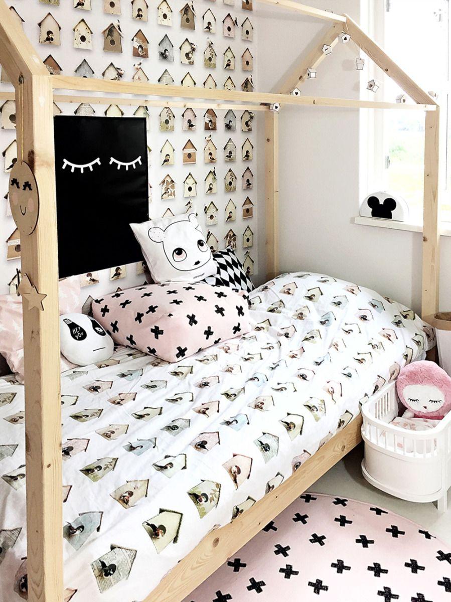 51c1dc62cec Studio Ditte bij mij thuis 02 Meisjes kamer met vogelhuisjes behang en  dekbedovertrek / Girls room with birdhouse wallpaper and duvet cover