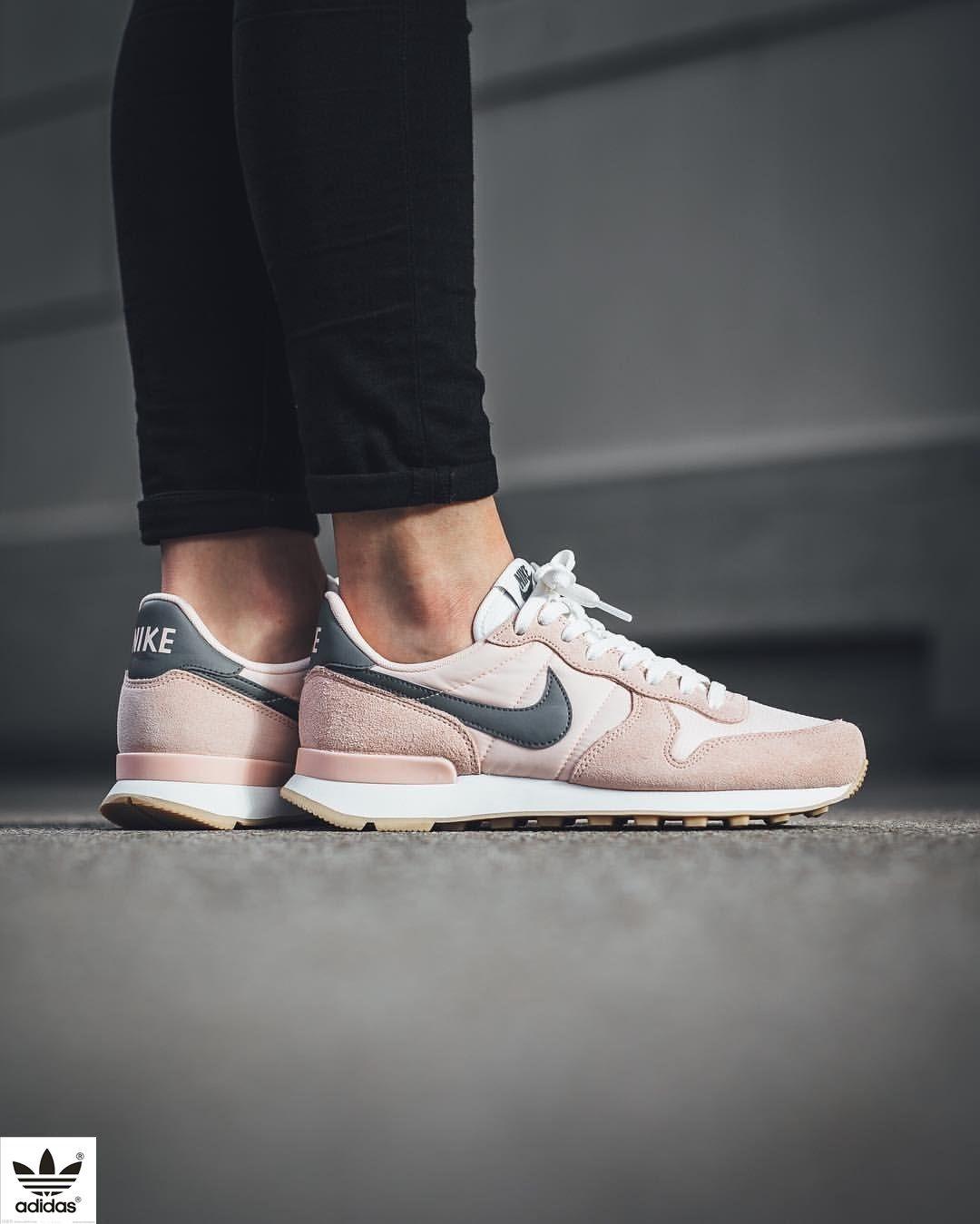 Nike Internationalist: Sunset Tint/Cool