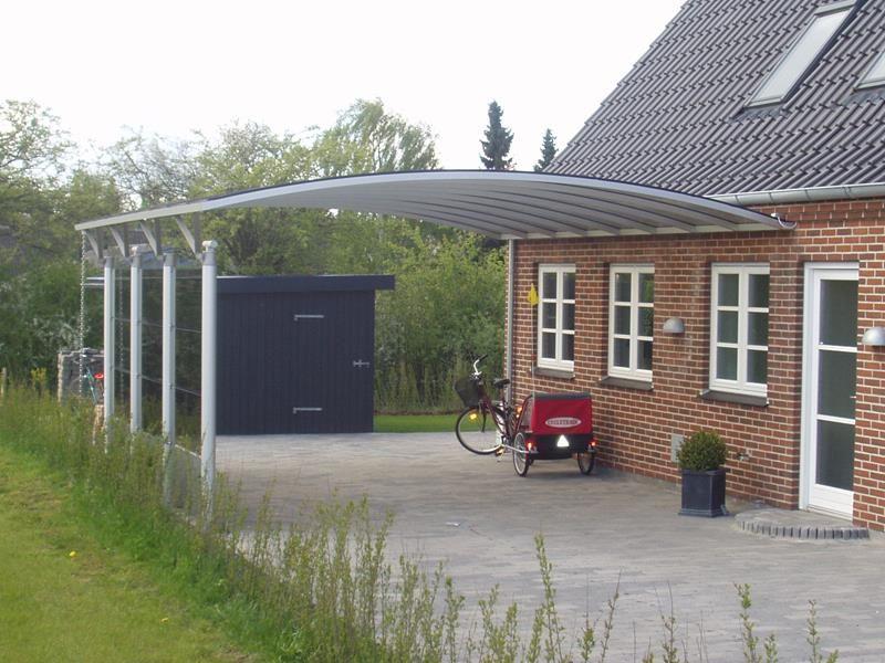 Dobbelt carport M330 Væghængt med glas og plader Carport