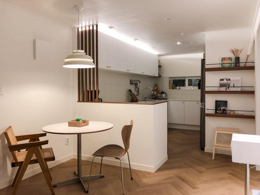 여유로운 홈카페 느낌으로 꾸민 카페같집 부엌 구조 부엌리모델링 부엌 인테리어 디자인