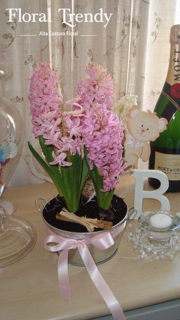 https://www.facebook.com/floraltrendyflores?ref=br_rs