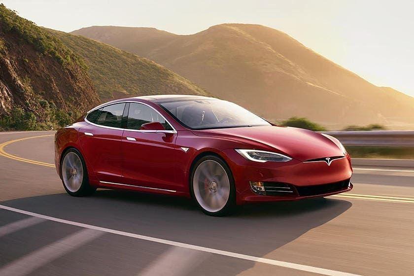 Tesla Model S P100d Motor Eléctrico Caballos 503 Hp Torque 487 Lb 0 100 2 7 Segundos Velocidad Máxima 250 Km H Cons Tesla Model S Tesla Model Tesla Car