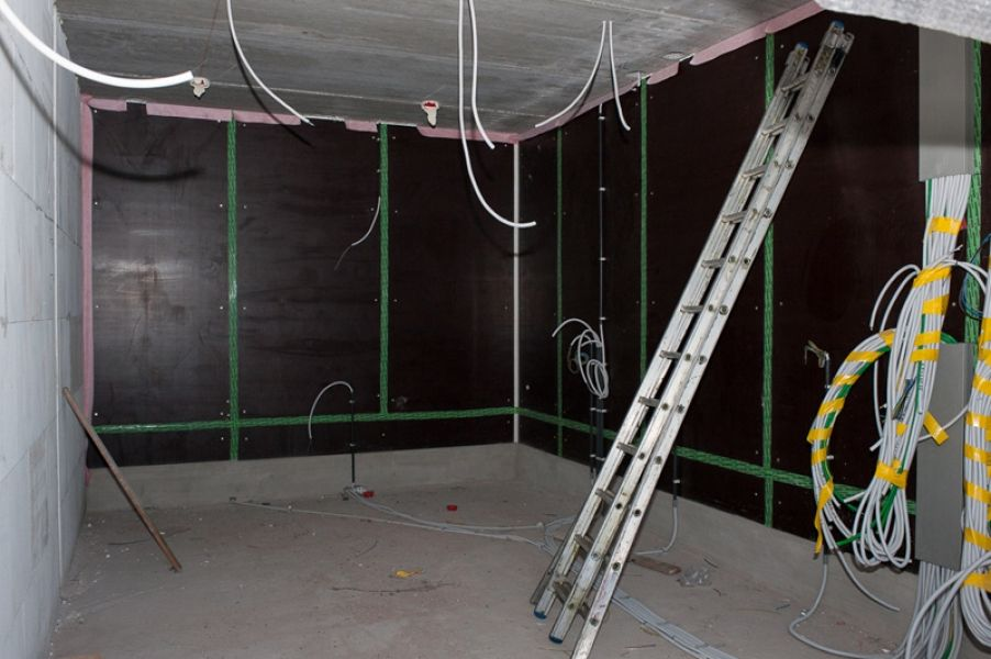 The plaster is up as well at our passive house!