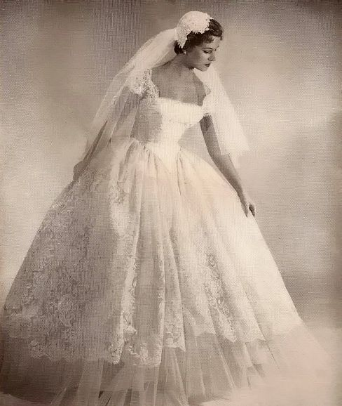 Lace wedding dress, 1950   Stunning Bridal Dresses   Pinterest ...