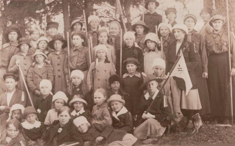 Early Girl Scouts from Finland 1918 - Joensuun Partiolaiset ry: JOENSUULAISTA PARTIOHISTORIAA