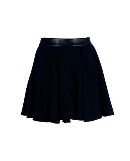 1a97850e6e Falda en A Negra - Las faldas cortas son mis favoritas. Super chic!! Las podemos  usar para cualquier tipo de look!! XD