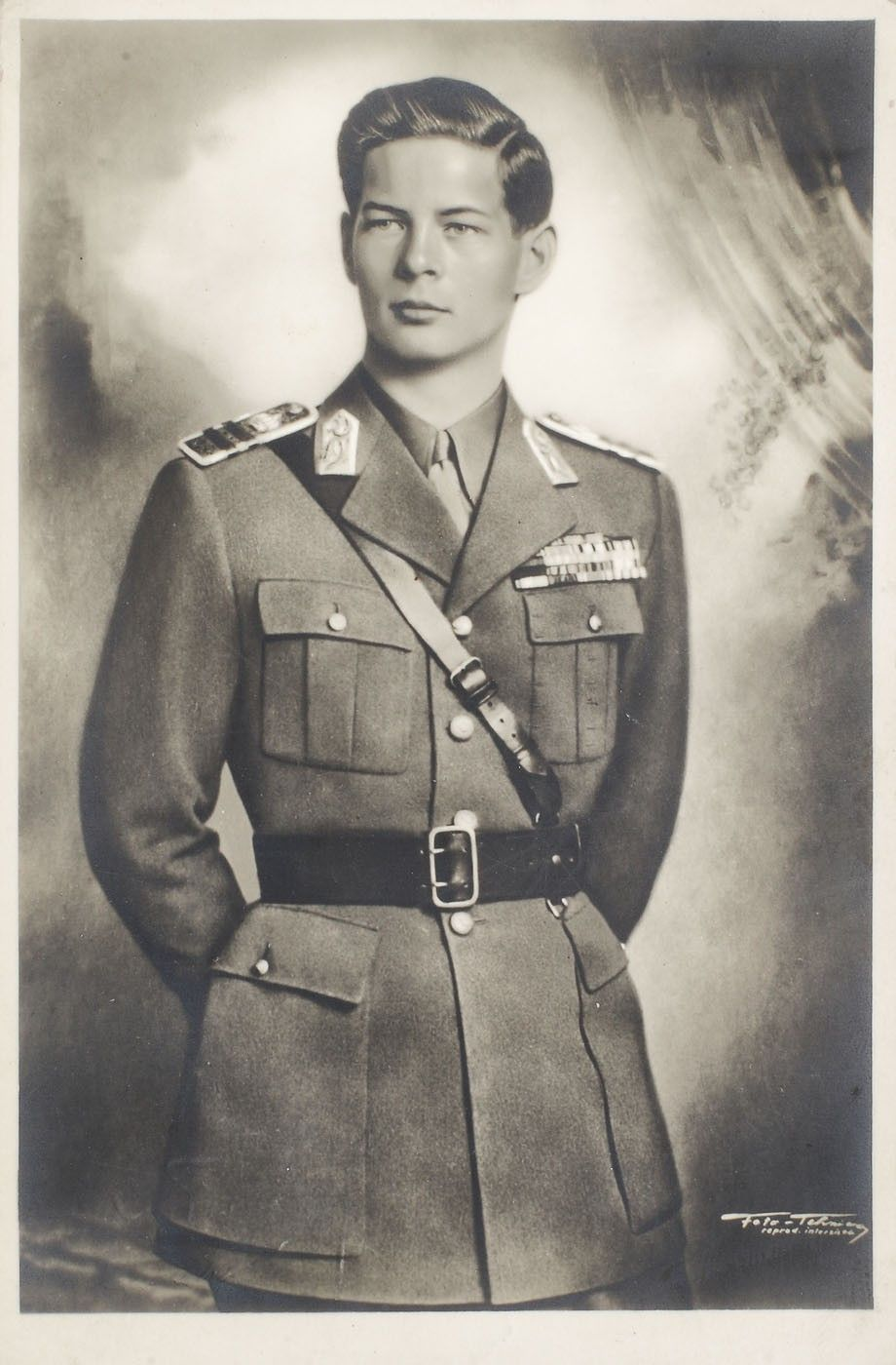 Turist în București: Regele Mihai I al României - 91 de ani  |Regele Mihai