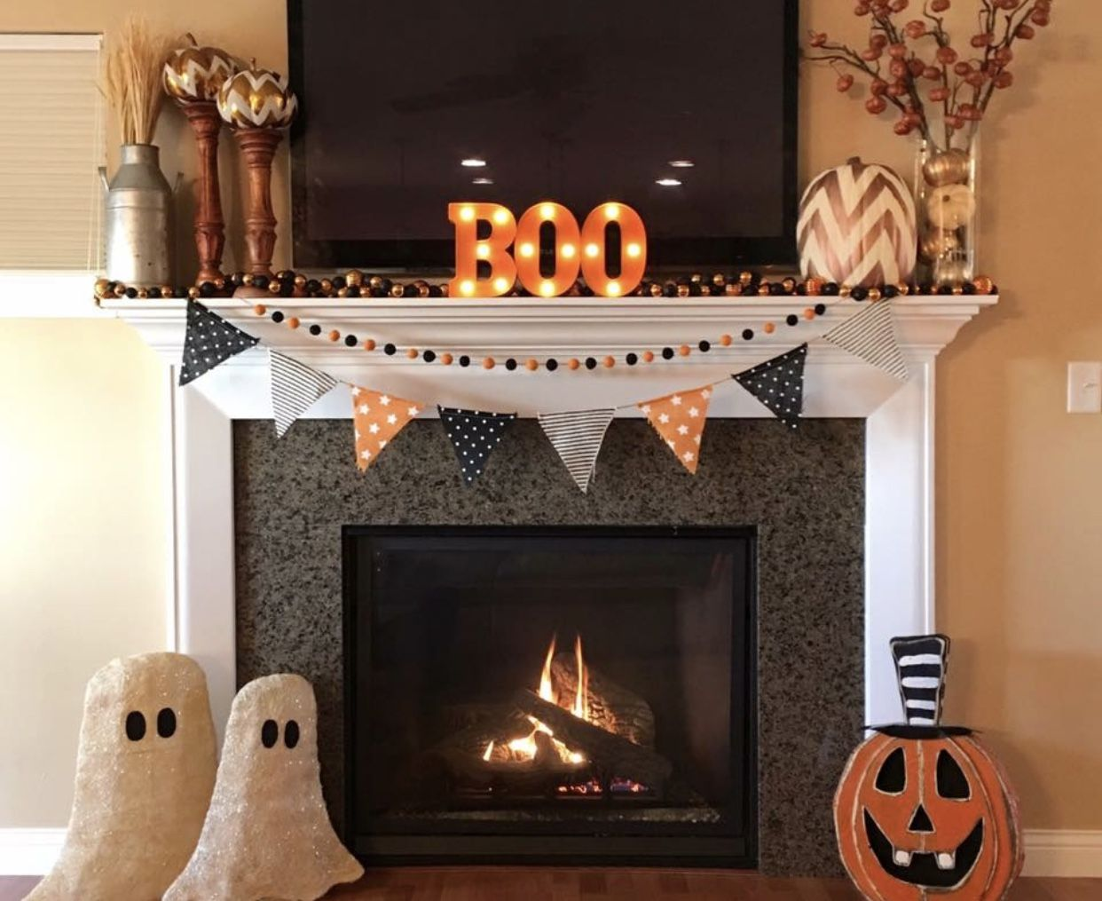 Pin by Mariah Morrison on Halloween Halloween mantel