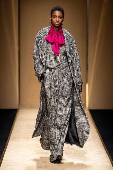 Luisa Spagnoli Herbst / Prêt-à-porter inverno 2020-2021 – Sfilate di moda | Vogue Germania