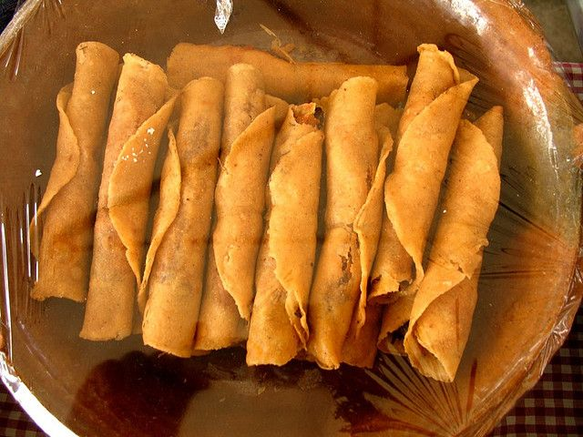 Taquitos fried chicken or beef tacos mexicanpuerto rican food meals forumfinder Image collections