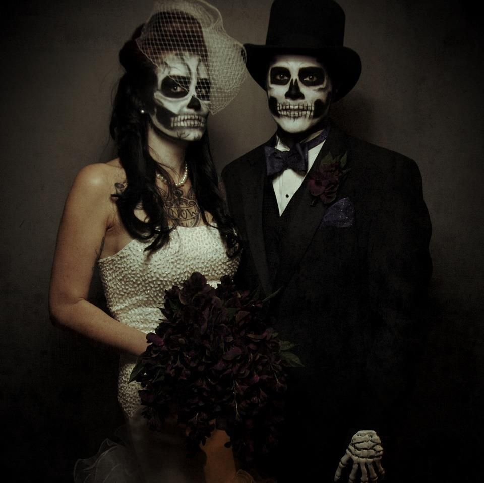ae67c2e33f0 Halloween Dead Skull Wedding Couple. | Creative Makeup | Halloween ...