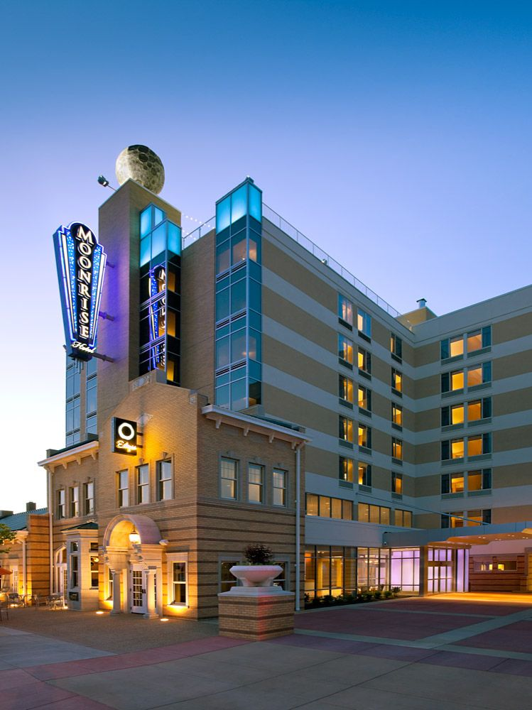 Luxury Hotel St Louis Boutique Delmar Loop Moonrise