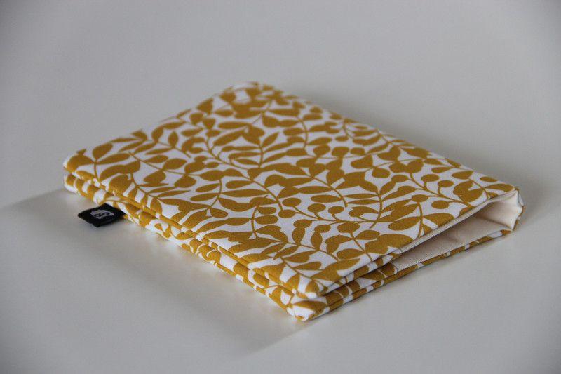 Mutterpasshüllen - Mutterpasshülle aus Bio-Baumwolle Hülle Mutterpass - ein Designerstück von madebybirdie_mini bei DaWanda