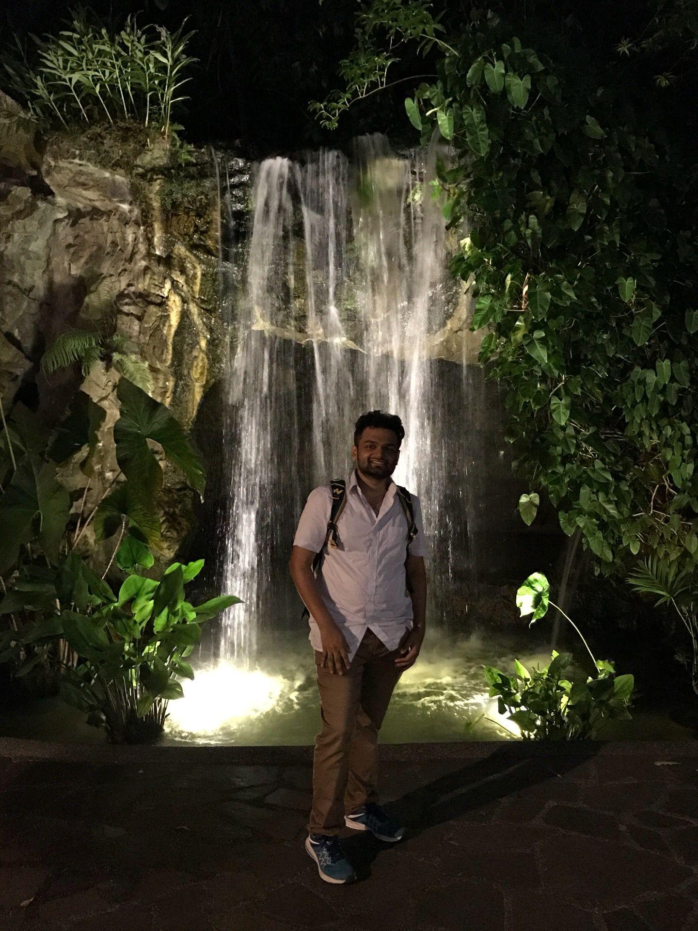 I'm at Tanglin Gate Singapore Botanic Gardens