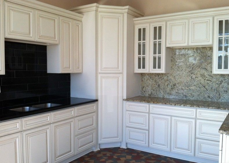 Antique White Kitchen Cabinet Antique White Maple Kitchen Cabinets