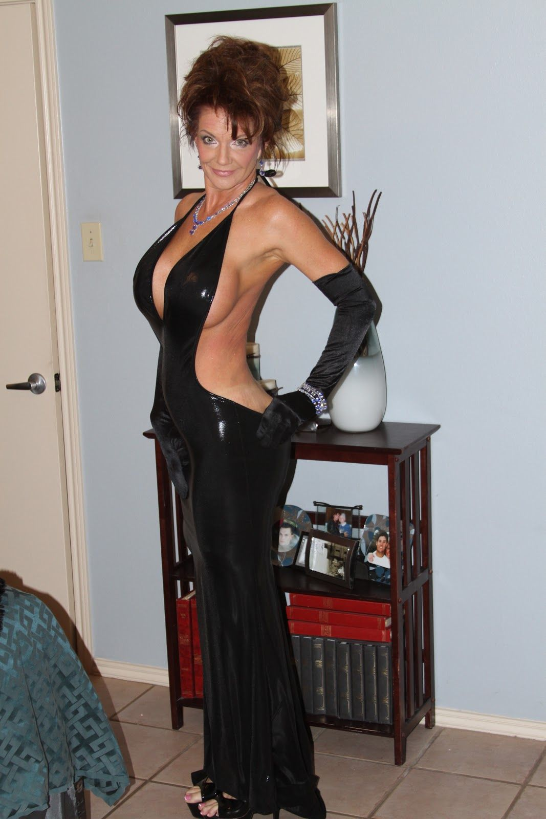 stephan cougars personals Meeting cougars page 1 of 1 : i really like dating (and meeting older women) but have had no luck on this site i take good care of myself, possess good self esteem, and am not a total weirdo.