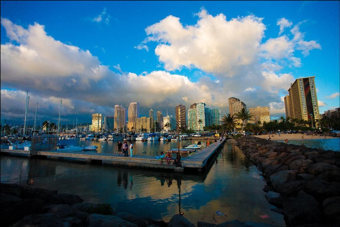 Waiting For The Sunset Oahu Usa Best Airlines Hawaiian Airlines City