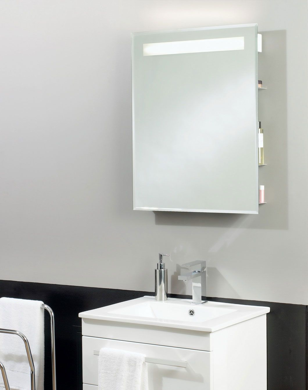 Bathroom Mirror Designs 25 Best Bathroom Mirror Ideas For A Small Bathroom  Bathroom