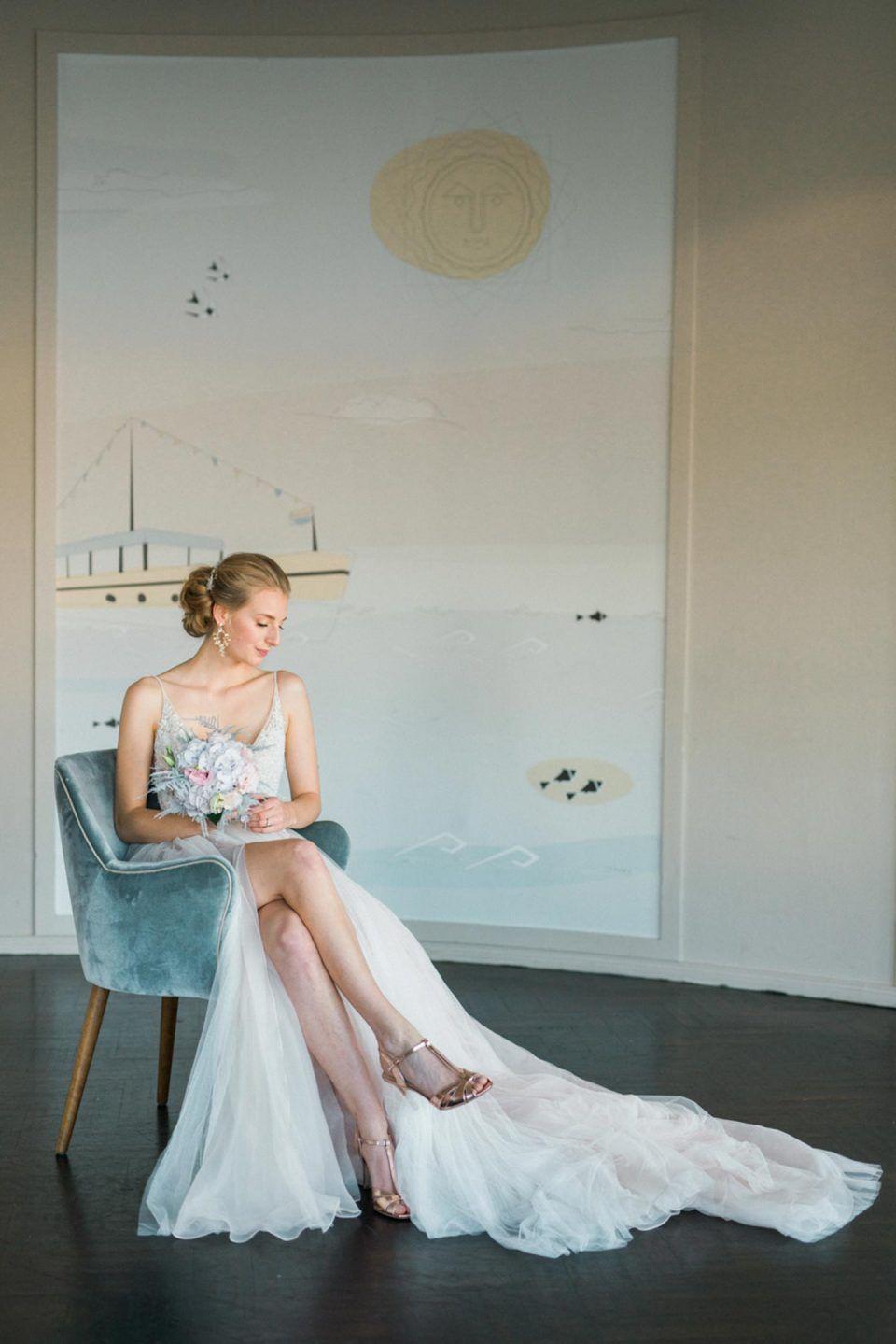 Ameron Bonn Heiraten Wie Loreley Am Rhein Mit Bildern Formelle Kleider Langes Abendkleid Brautmode