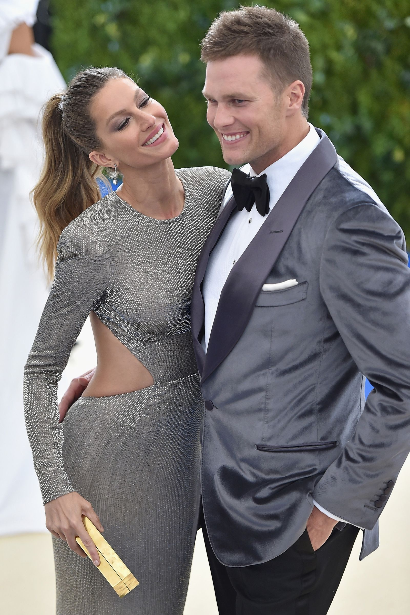 Gisele Bündchen & NFL great/husband Tom Brady - In Photos: The Best Candid