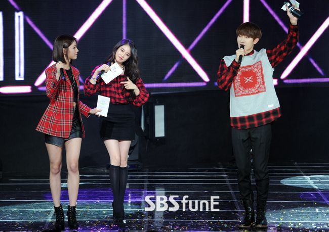 Jiyeon MC @ SBS MTV The Show 141118 (With Hyeri... - T-ARA Park Jiyeon Fan Blog 티아라 박지연 팬 블로그