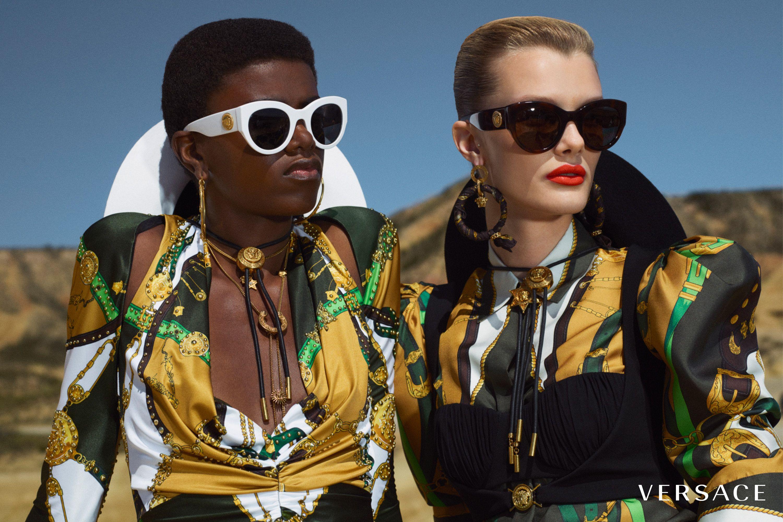 Pin de Versace en VERSACE CRUISE 20 en 2020   Versace