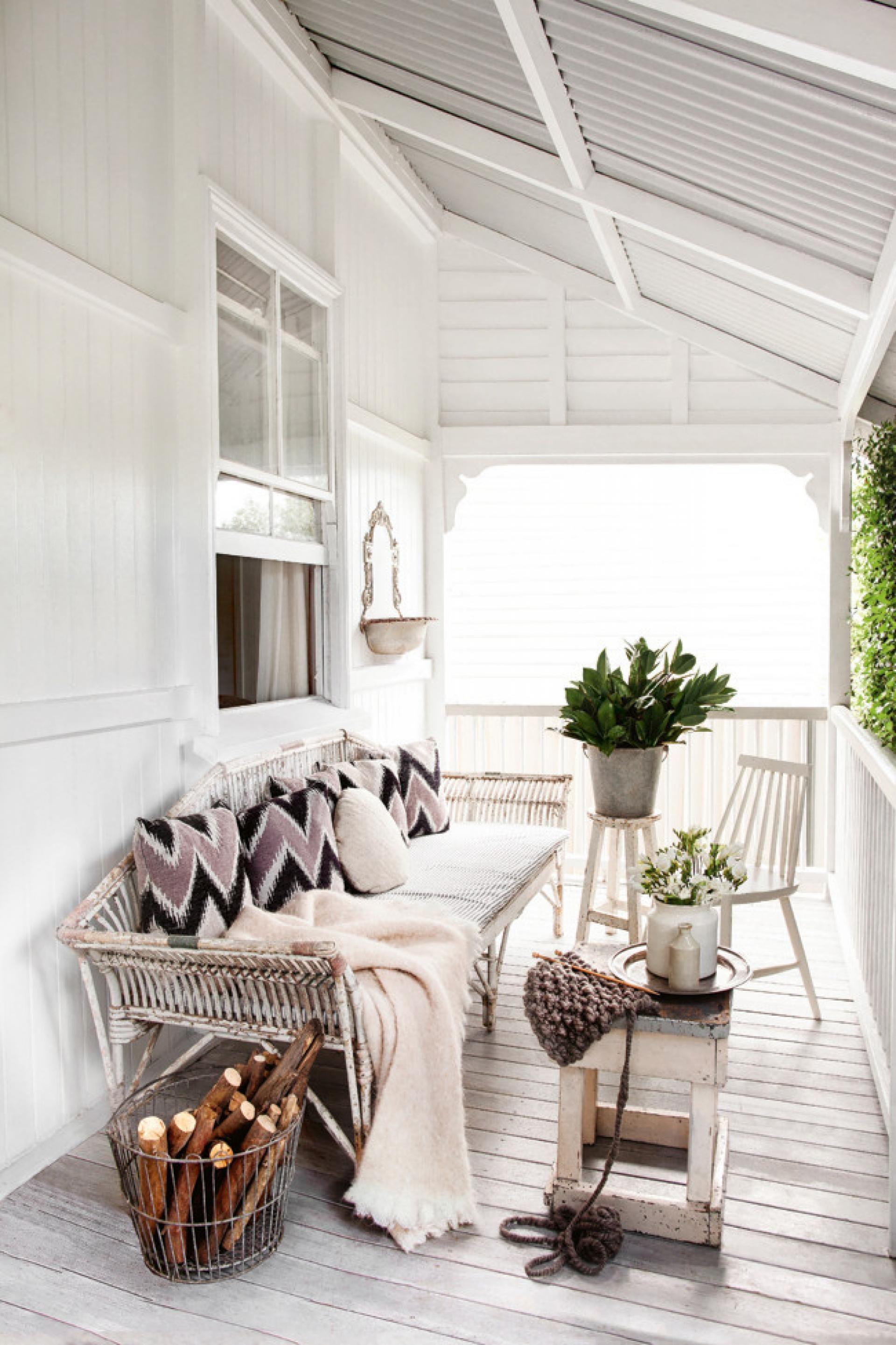 White cottage porch | Kara Rosenlund\'s home | HOME | Pinterest ...