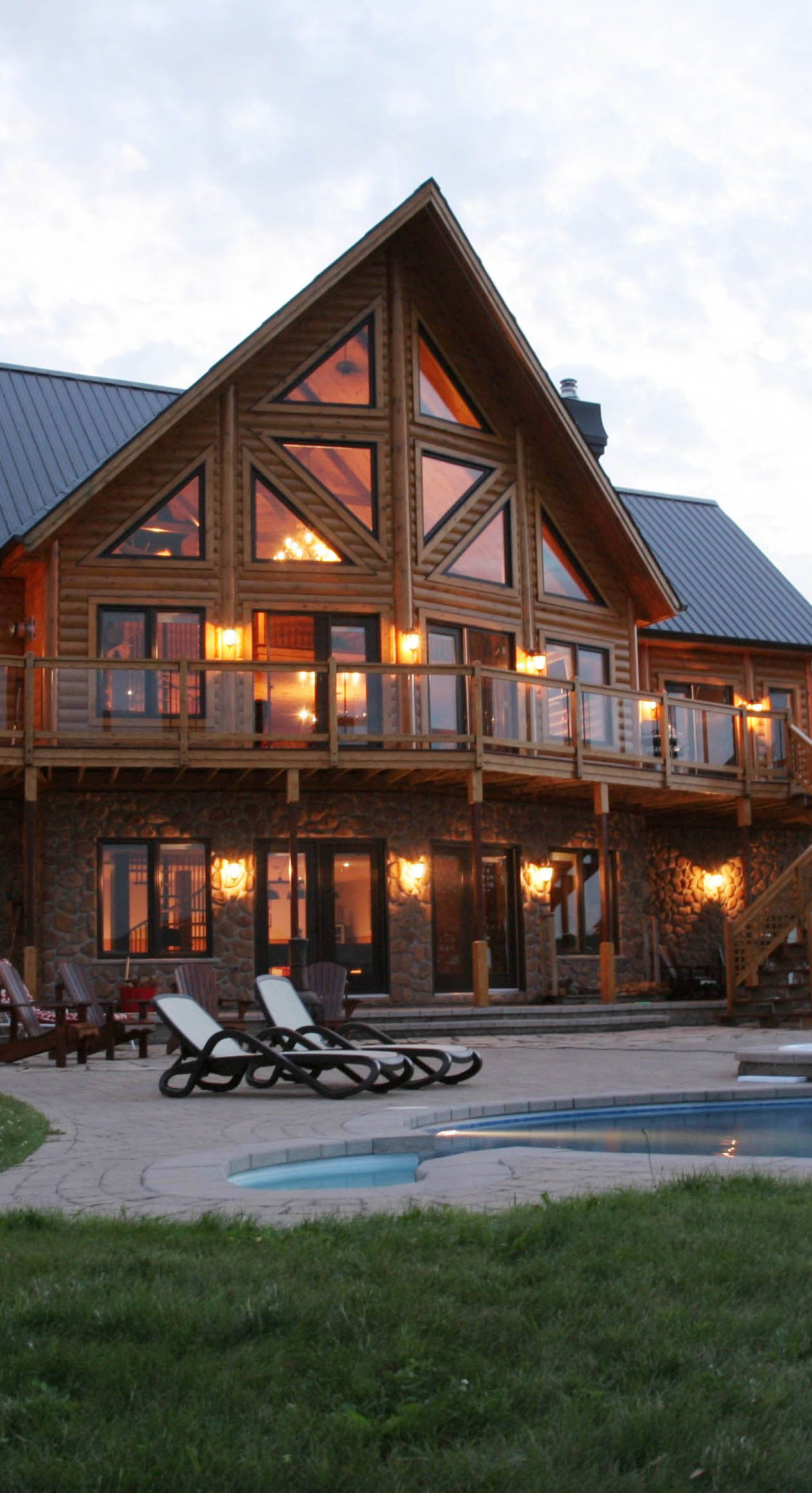 Log home exterior dream home pinterest for Pictures of log houses