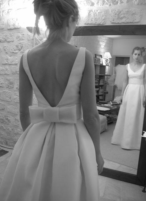 robe de mariée à dos nu avec noeud