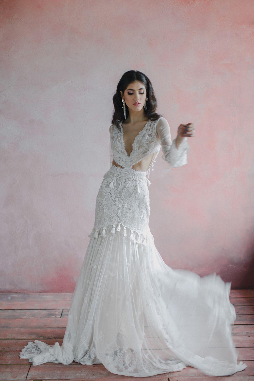 Lace mermaid bohemian wedding dress deep vneck bell