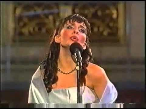 Filippa giordano casta diva via youtube cuando los ngeles cantan pinterest music diva - Casta diva youtube ...
