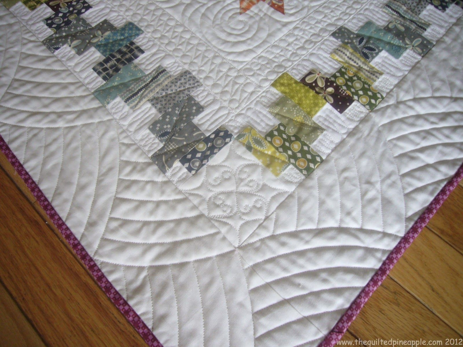 that's how to do the corners! Wish I saw this 2 weeks ago ... : quilting border designs free - Adamdwight.com